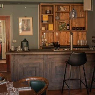 Pluim Bar Vestibule 2